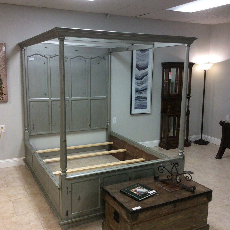 You will sleep like a queen in this bed! A little vintagy, a whole lot of luxury but yet totally modern and chic! Queen-sized, it's been painted a shimmery silver gray and distressed for that weathered, timeless quality.