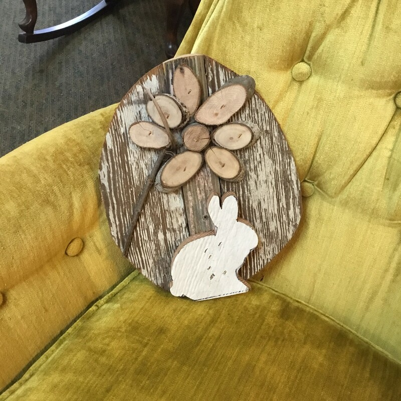 HandMade Beadboard Rabbit