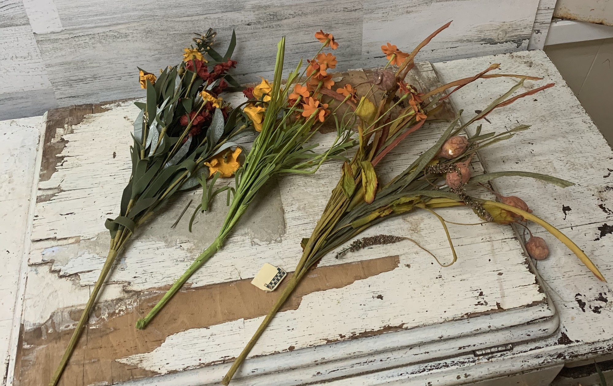 Fall stems, decor, arrangements. Have different styles and fall like colors.<br /> Measures approx 18'' tall.<br /> Please make sure to look at all the pictures!<br /> Thank you!