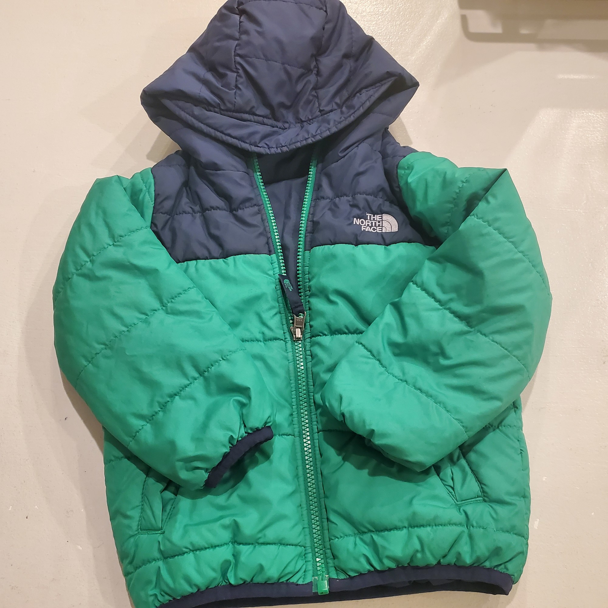 North Face Puffer SPOTS, Size: 4