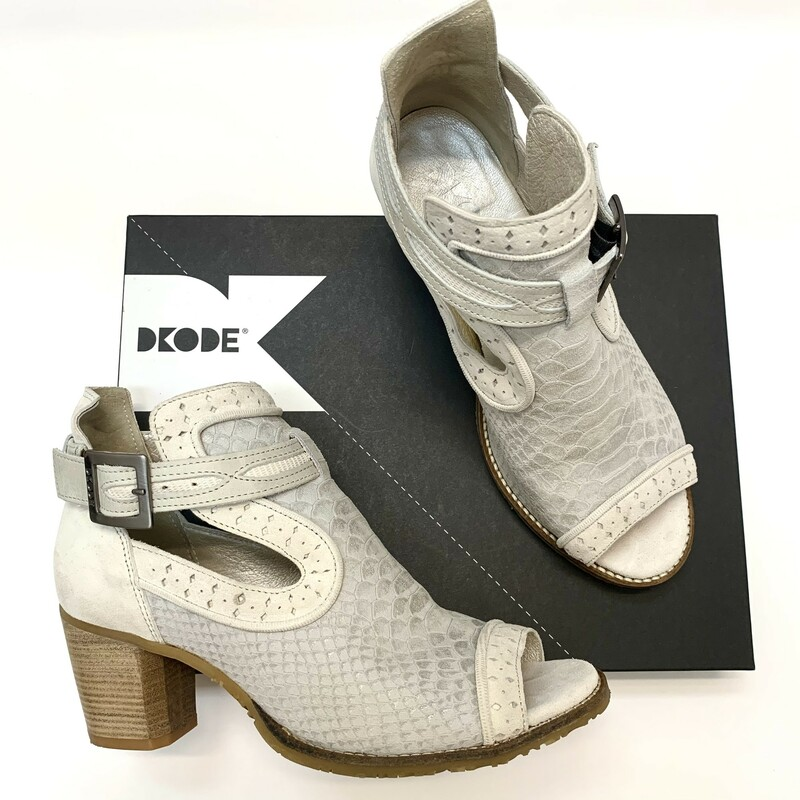 DKode Leather Booties