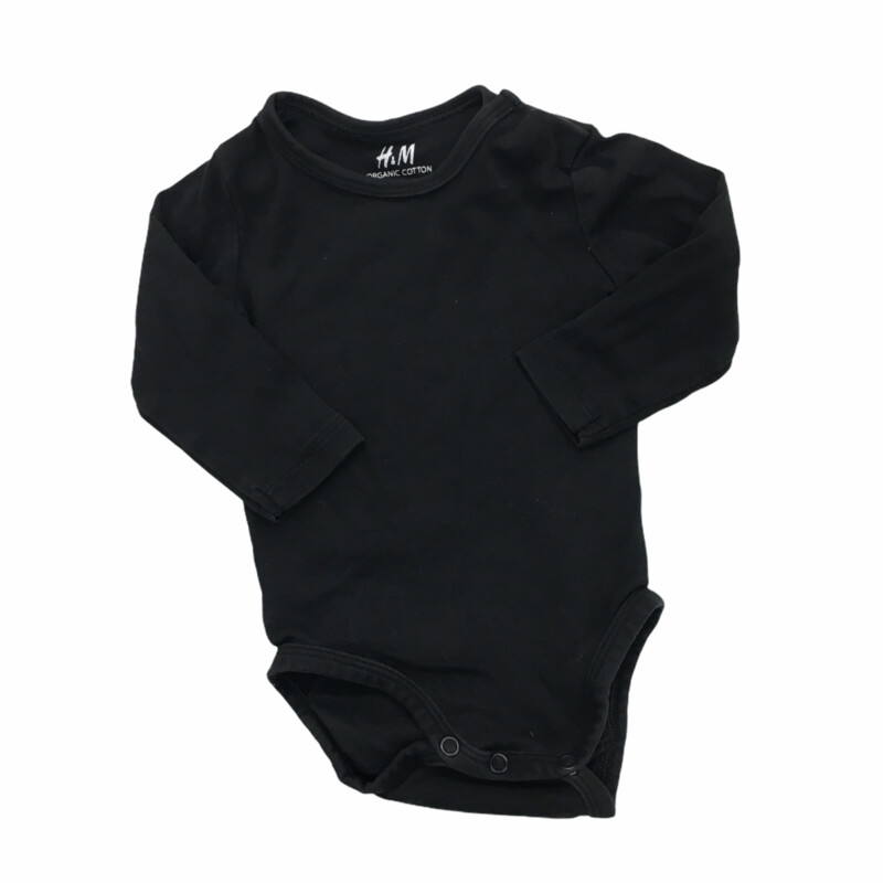Long Sleeve Onesie (Organic), Boy, Size: 3/6m  #resalerocks #pipsqueakresale #vancouverwa #portland #reusereducerecycle #fashiononabudget #chooseused #consignment #savemoney #shoplocal #weship #keepusopen #shoplocalonline #resale #resaleboutique #mommyandme #minime #fashion #reseller                                                                                                                                      Cross posted, items are located at #PipsqueakResaleBoutique, payments accepted: cash, paypal & credit cards. Any flaws will be described in the comments. More pictures available with link above. Local pick up available at the #VancouverMall, tax will be added (not included in price), shipping available (not included in price), item can be placed on hold with communication, message with any questions. Join Pipsqueak Resale - Online to see all the new items! Follow us on IG @pipsqueakresale & Thanks for looking! Due to the nature of consignment, any known flaws will be described; ALL SHIPPED SALES ARE FINAL. All items are currently located inside Pipsqueak Resale Boutique as a store front items purchased on location before items are prepared for shipment will be refunded.