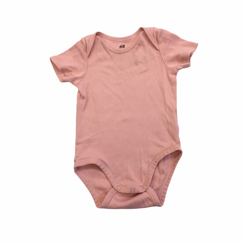 Onesie (Organic), Girl, Size: 12m  #resalerocks #pipsqueakresale #vancouverwa #portland #reusereducerecycle #fashiononabudget #chooseused #consignment #savemoney #shoplocal #weship #keepusopen #shoplocalonline #resale #resaleboutique #mommyandme #minime #fashion #reseller                                                                                                                                      Cross posted, items are located at #PipsqueakResaleBoutique, payments accepted: cash, paypal & credit cards. Any flaws will be described in the comments. More pictures available with link above. Local pick up available at the #VancouverMall, tax will be added (not included in price), shipping available (not included in price), item can be placed on hold with communication, message with any questions. Join Pipsqueak Resale - Online to see all the new items! Follow us on IG @pipsqueakresale & Thanks for looking! Due to the nature of consignment, any known flaws will be described; ALL SHIPPED SALES ARE FINAL. All items are currently located inside Pipsqueak Resale Boutique as a store front items purchased on location before items are prepared for shipment will be refunded.