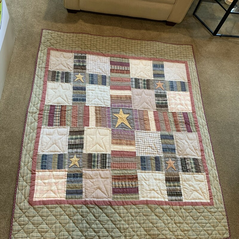 Americana Quilt Hanging  Size: 50 X 60 Lovely americana quilt that could be hung with the tabs on the back or used as coverlet