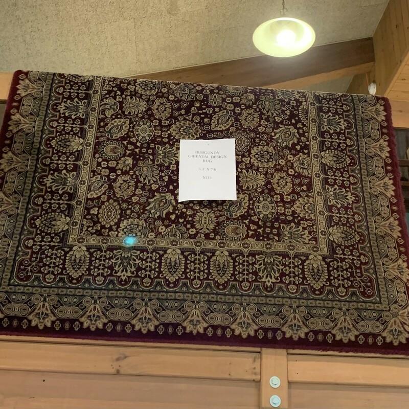 Burgundy Oriental Rug Size: 6 X 9 In good condition