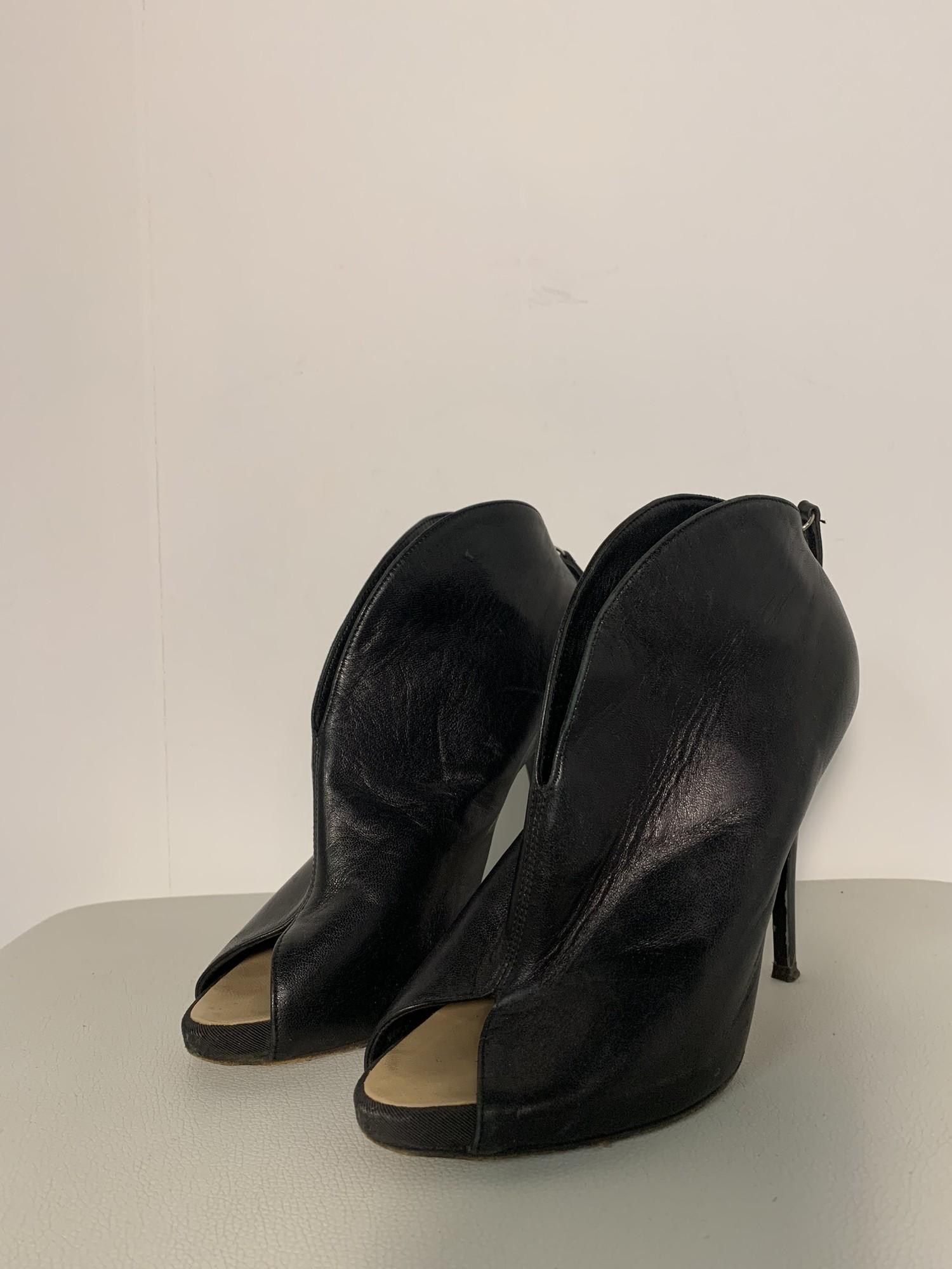 Guiseppe Zanotti- 36.5, Solid, Size: Black