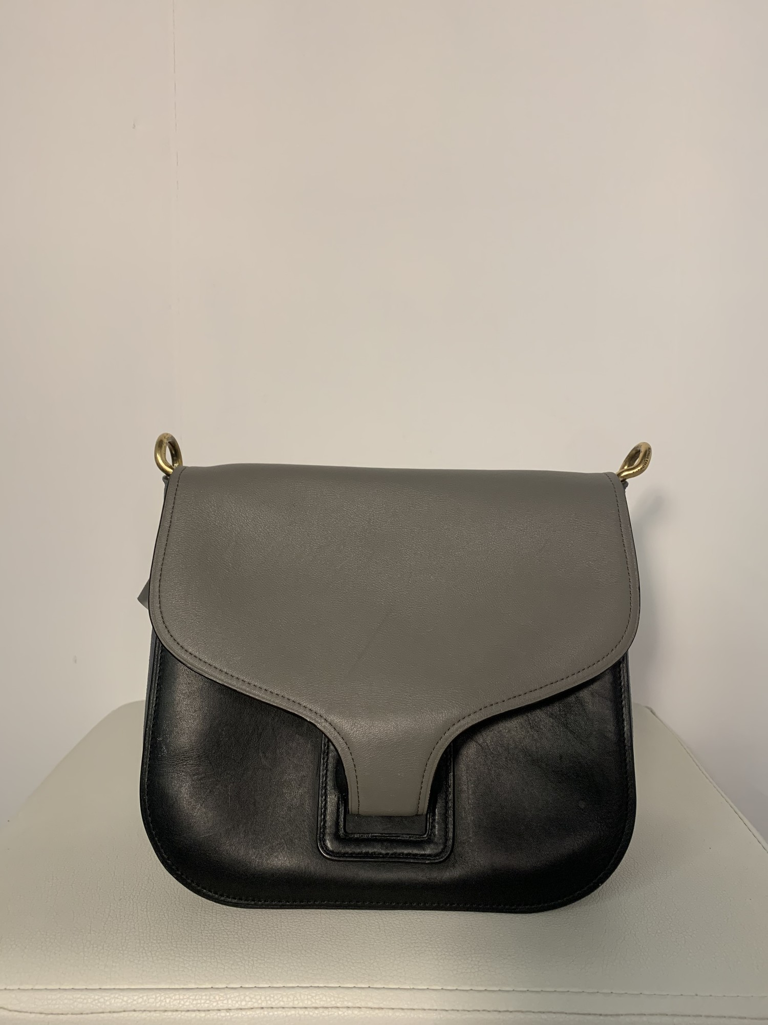 Coach, Solid, Size: Taupe