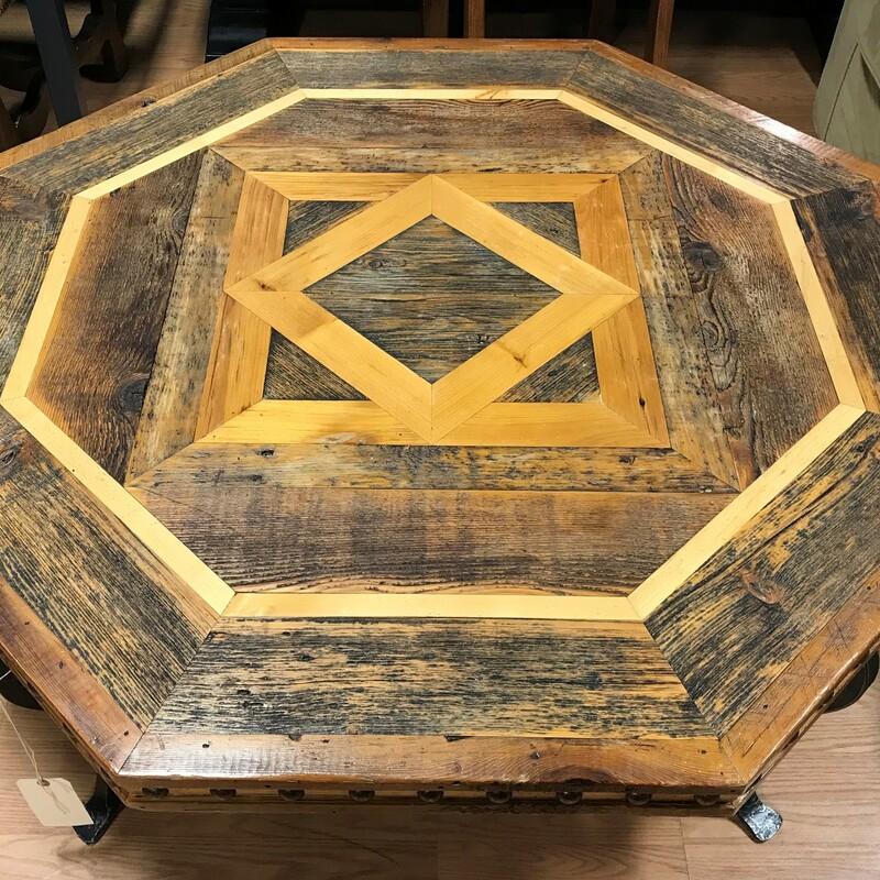 Western Heritage Octagon, Inlay, Nailheads Size: 20in tall x 47.5in diameter