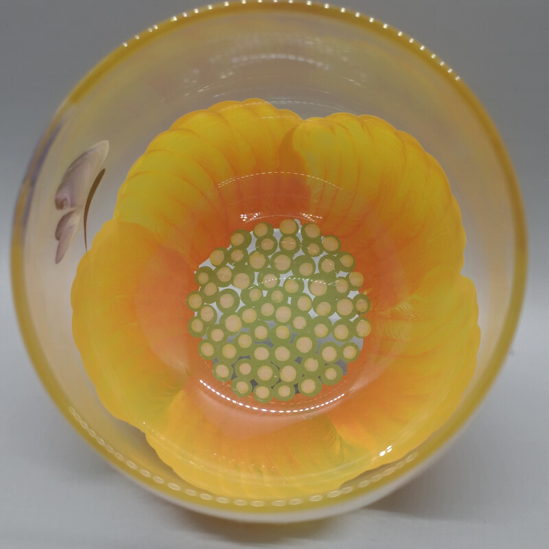 Buttercup Wine Glass