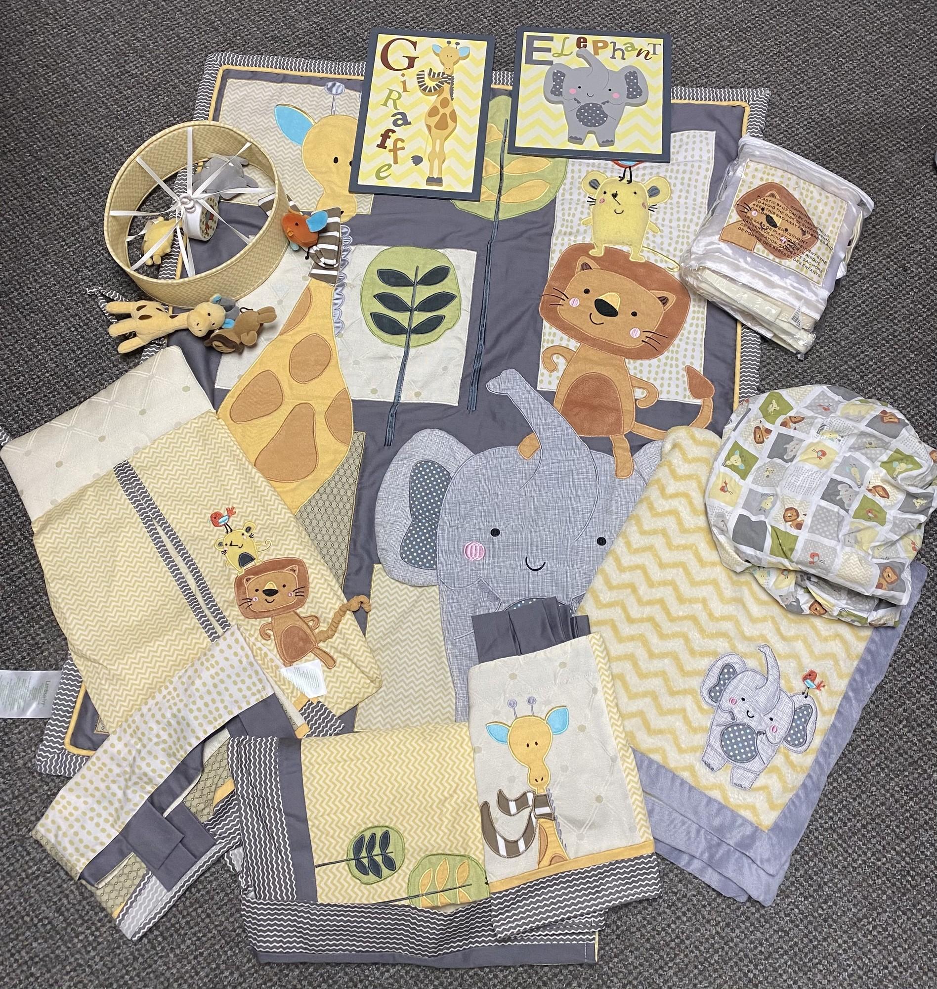 Giraffe Nursery Set, Yellow, Size: OS