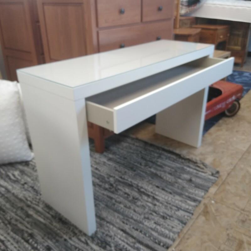 White Modern, Size: 31Hx48Lx16