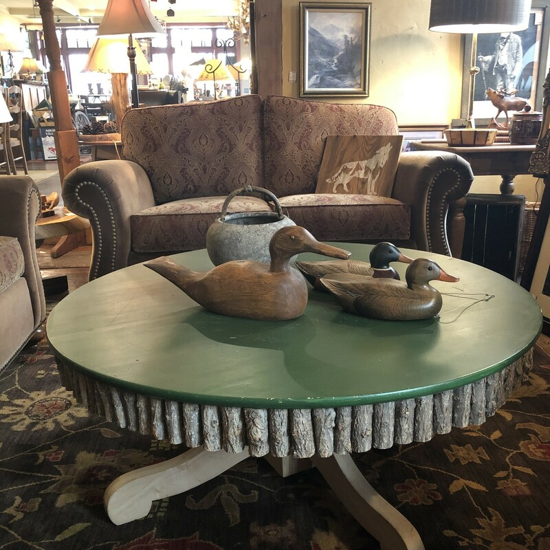 Round Rustic Green