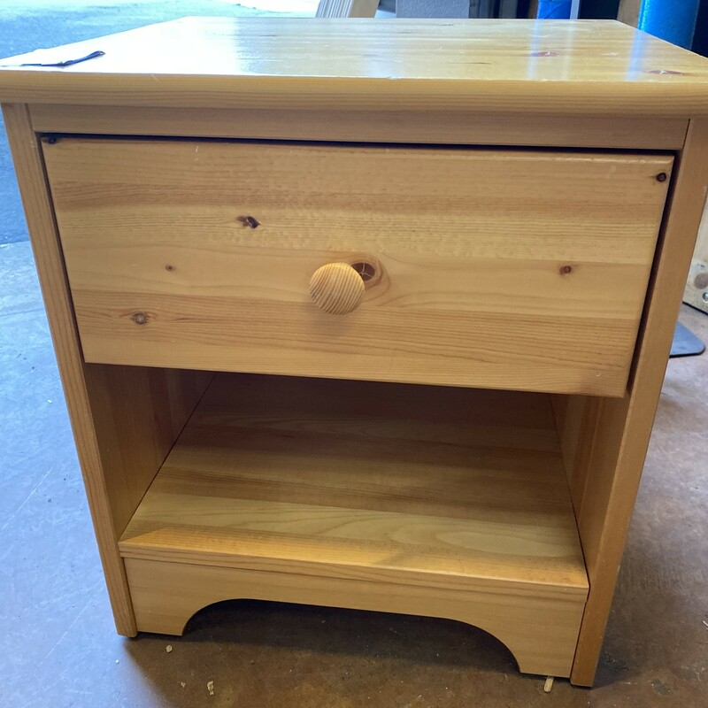 Pine Nightstand   Size: 17Wx16Dx19H