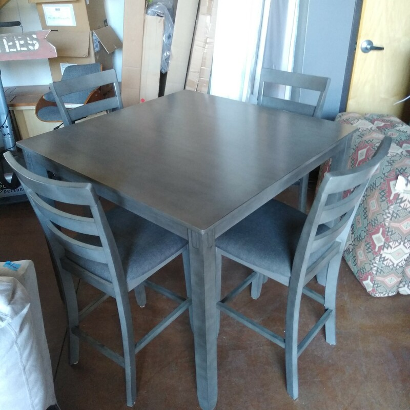 Counter Table/4 Stools