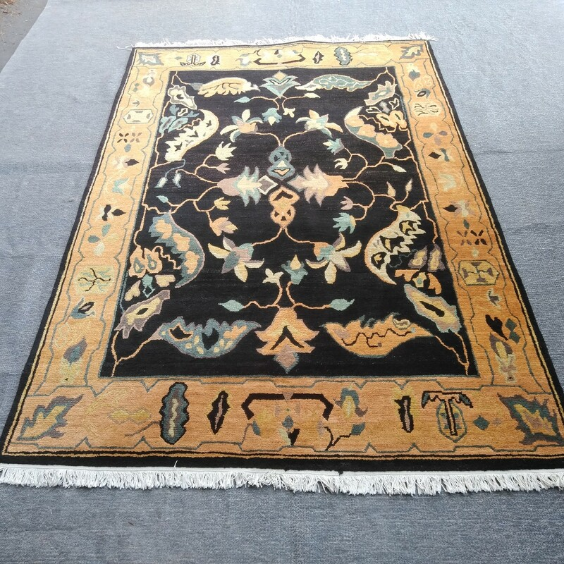 Hand Knotted Nepal