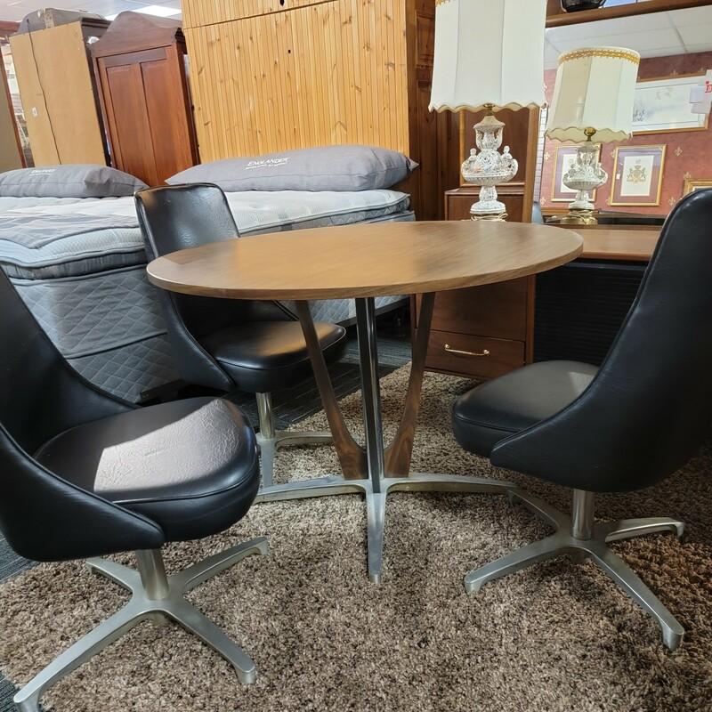 Vintage Chromecraft  Table & 3 Chairs