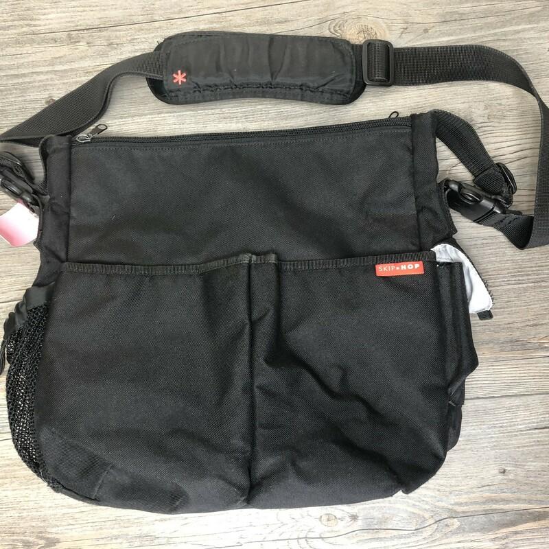 Skip & Hop Diaper Bag, Black