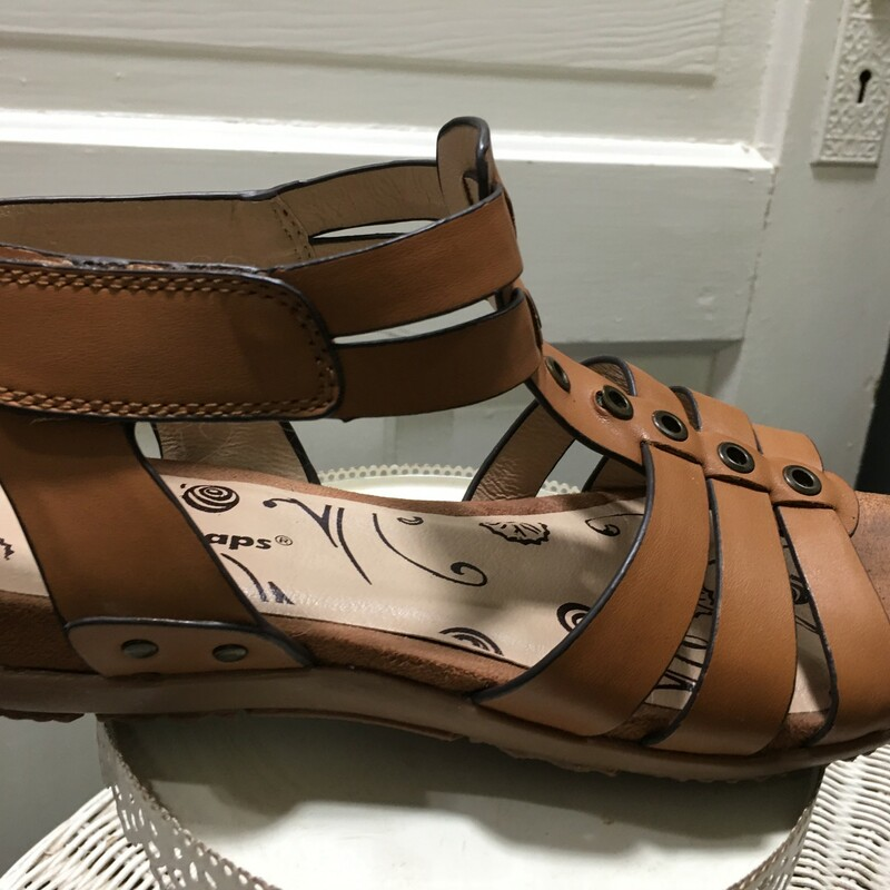 Bare Traps with Velcor, Tan, Ankle wrap. Size: 7.5