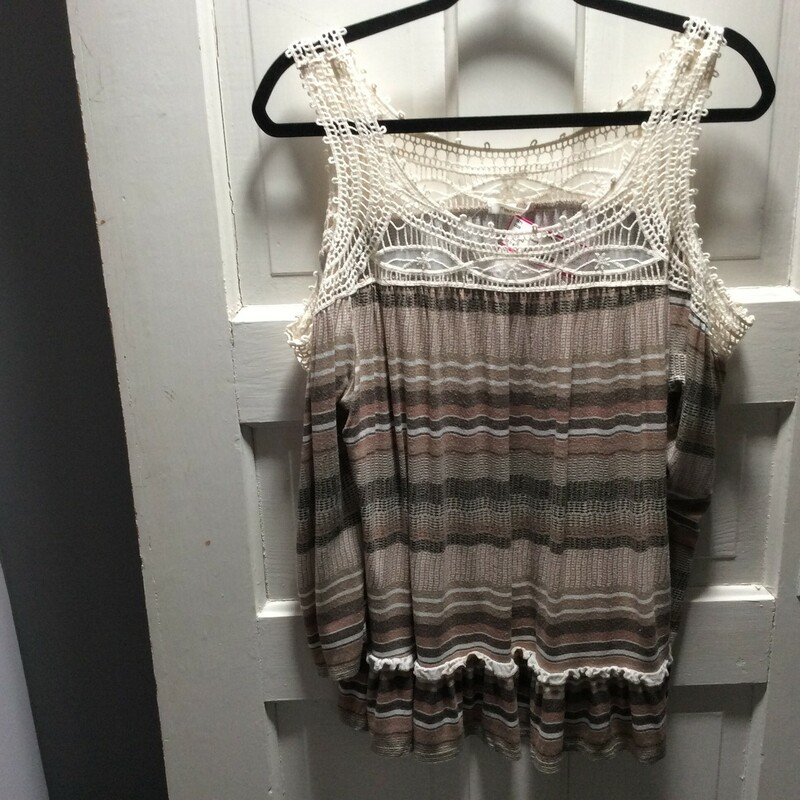 Maurices, Cold Shoulder, crochet touches, tan Stripes! Size: Large Very sharp!