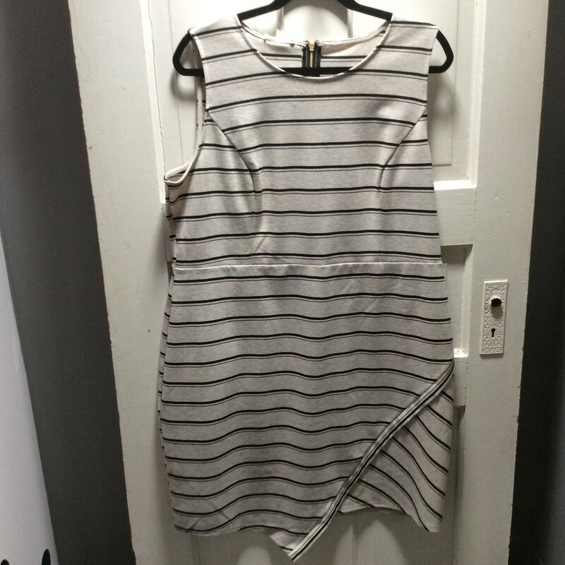 Maurice black stripe on oatmeal, Zip Back,knit fabric !Size: 2x Sharp!