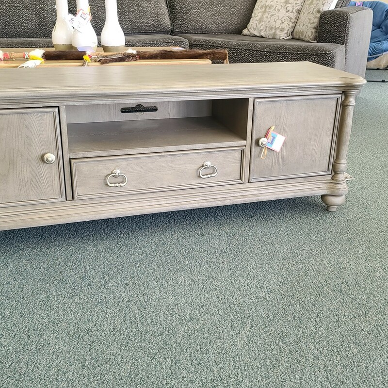 16880-63T TV STAND