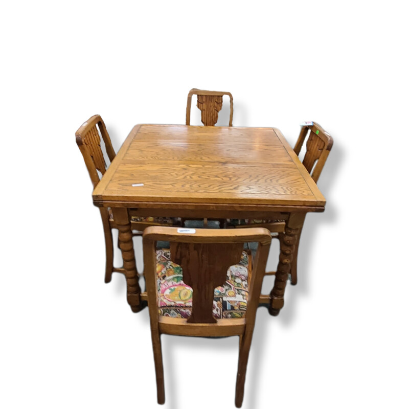 TABLE W/4 CHAIRS +L