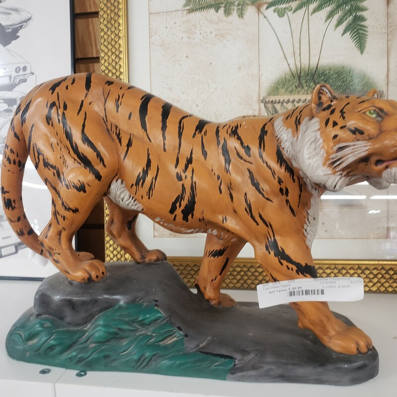 Tiger Statue Signed  Please call or email for specific dimensions etc. Return are generally not allowed on consignment items. Any returns authorized are subject to a 20 % restocking fee!