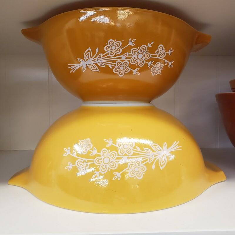 Pr Yellow Pyrex Cinderell