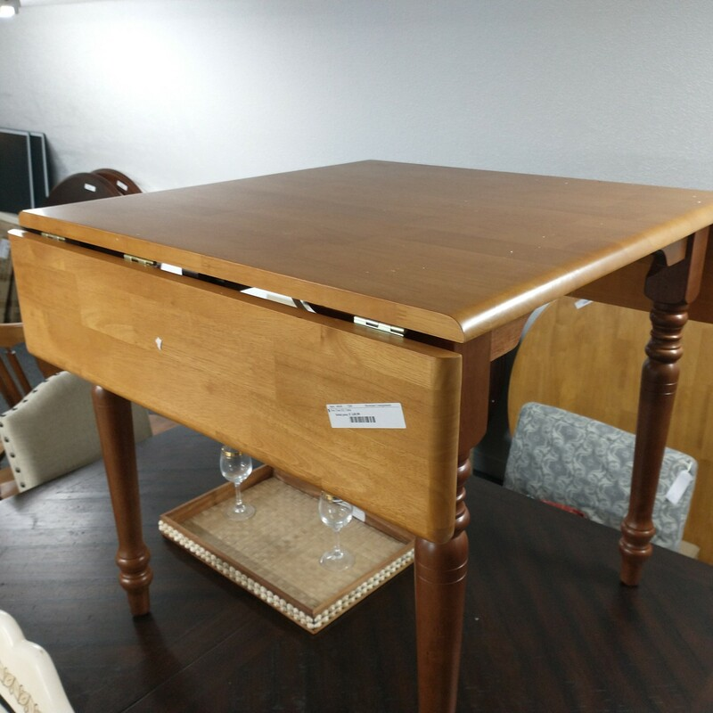 Two Tone D/L Table