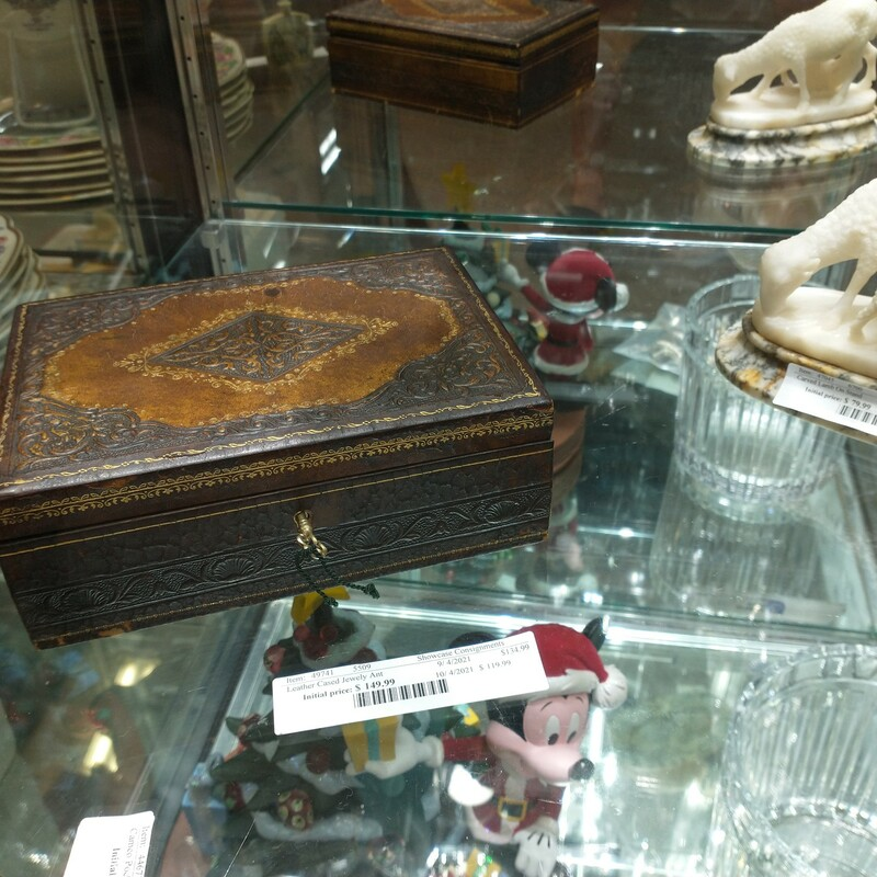 Leather Cased Jewely Antique. Looks great!