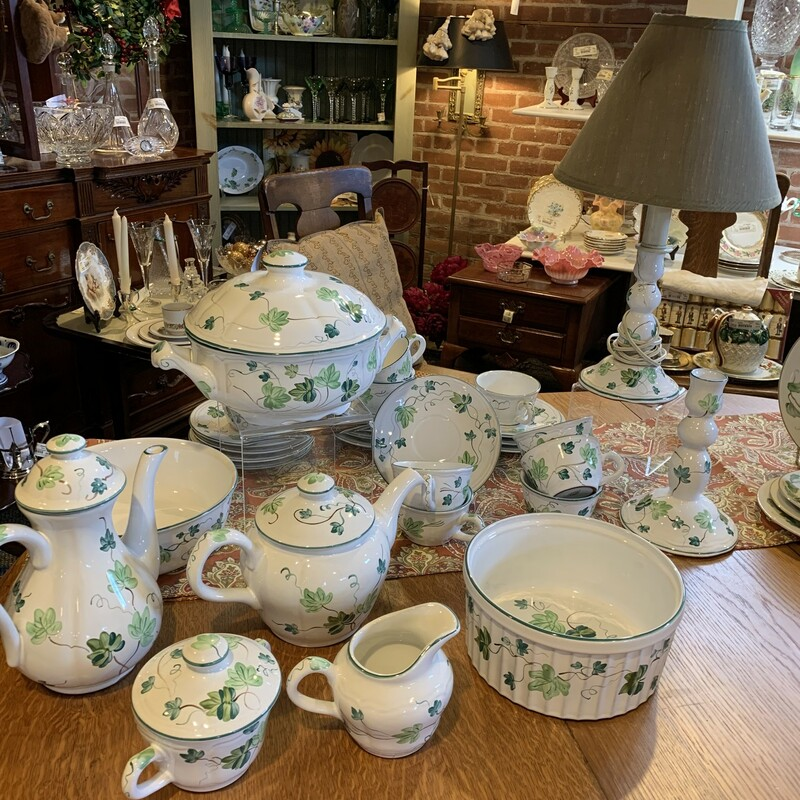 10 Herend Cups & Saucers, Ivy, Size: Any