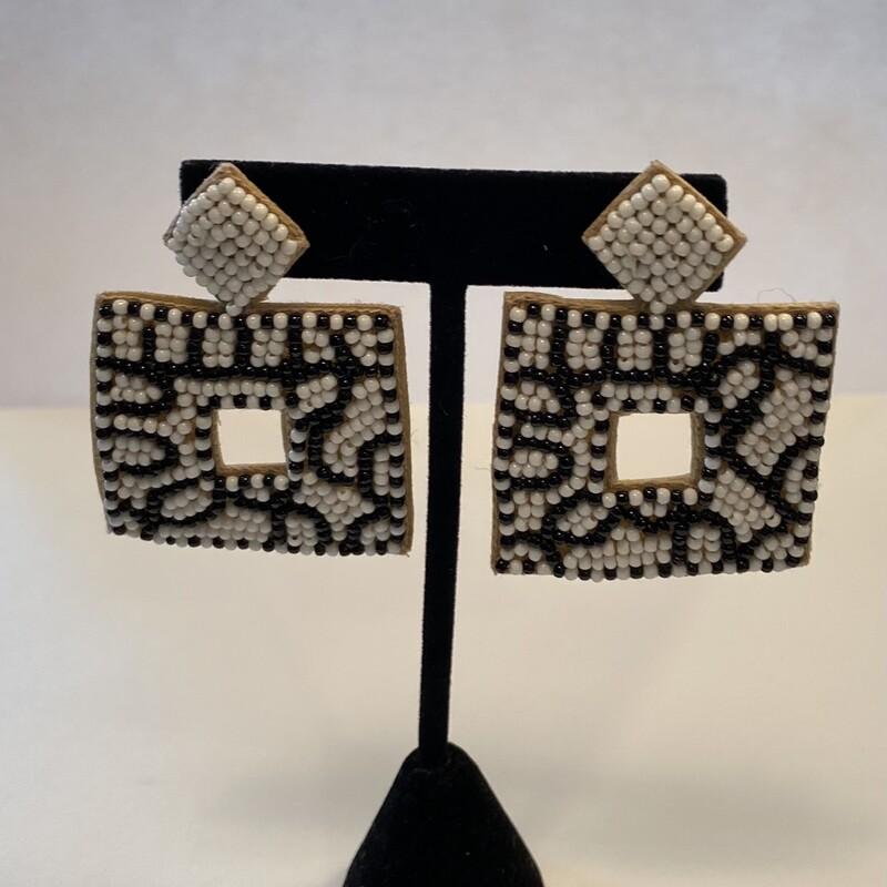 Blk/wht Sq Bead Earrings