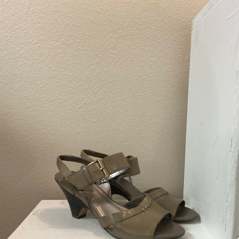 Taupe Lther Sandal Heel