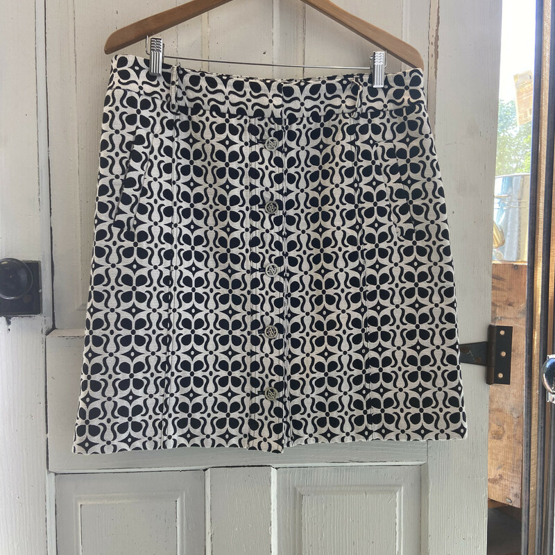 Wht/blk Pat Button Skirt