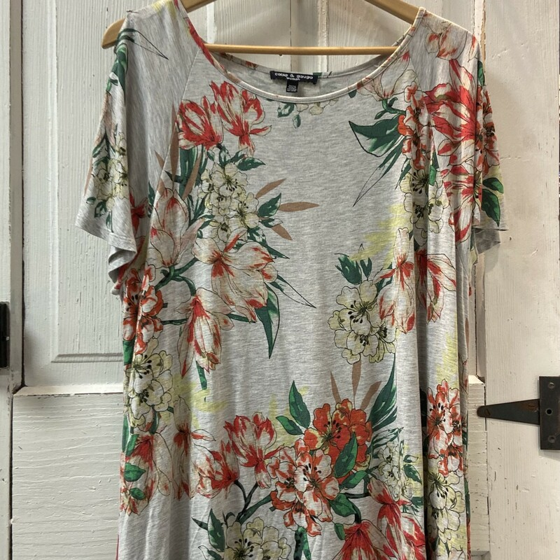 Gry/floral Button Tee