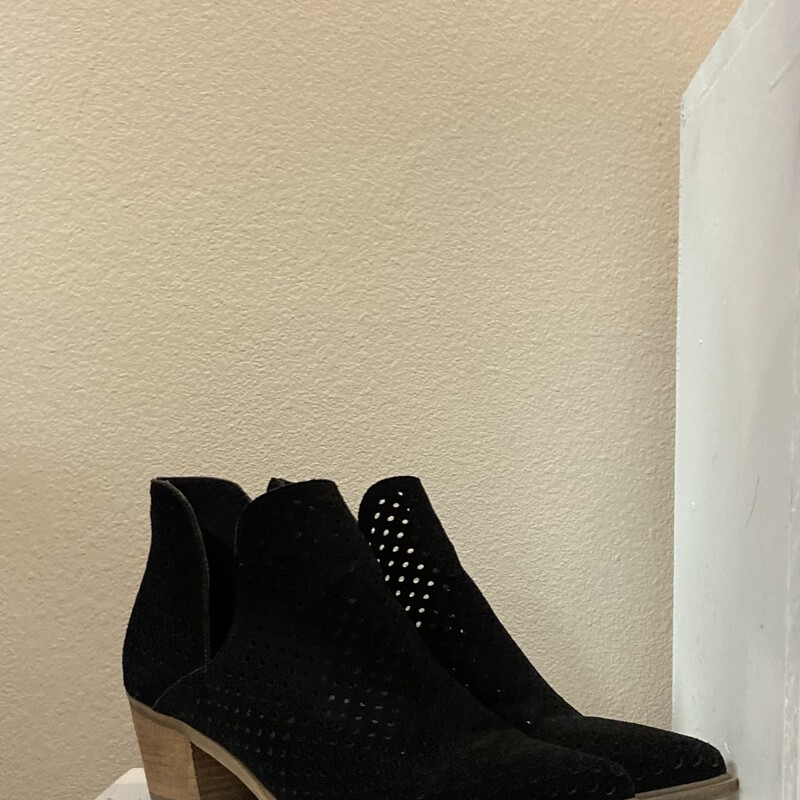 Blk Suede Prforated Booti