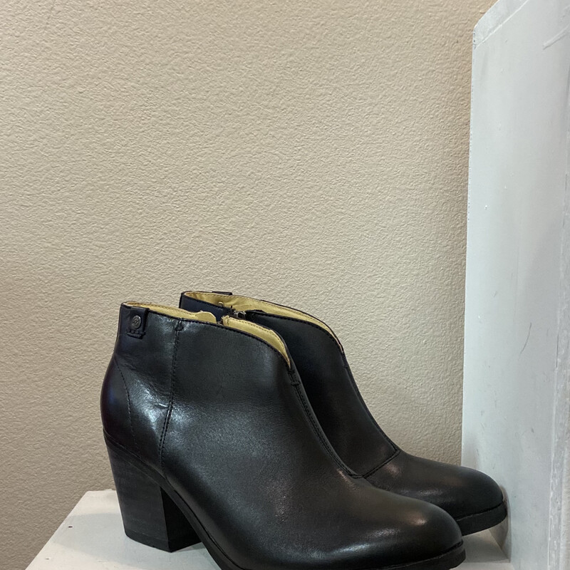 Blk Leather Ankle Boot
