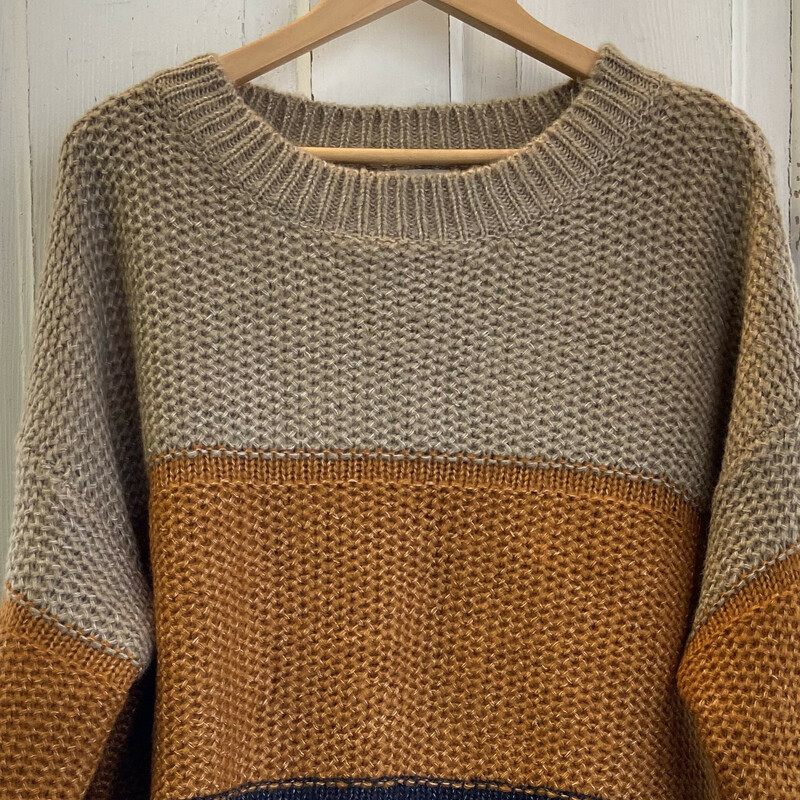 NWT Tan/gld/blk Sweater