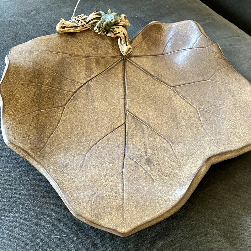 Leaf shaped bowl by R. Wollf with tiny little Frog Size: 11x11