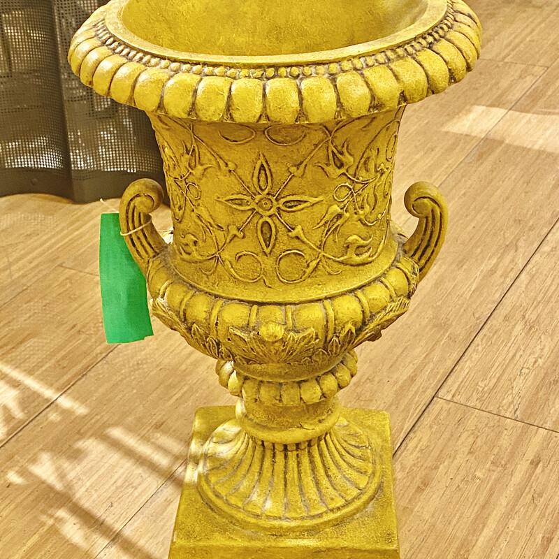 Plaster Urn/planter Size: 10x10x14