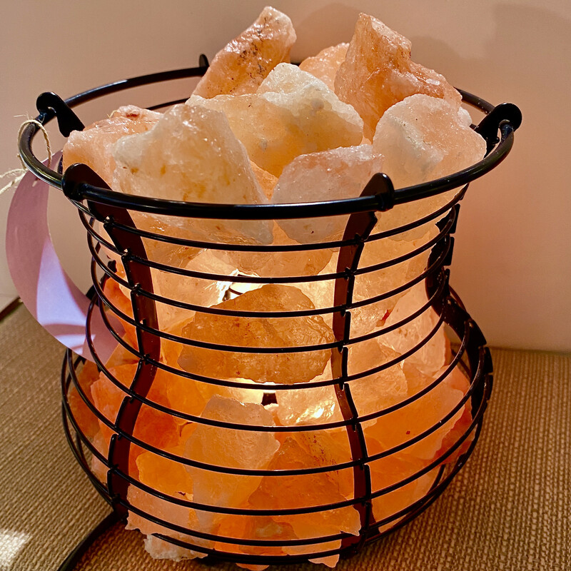 Wire Basket  Hybrid Salt Lamp Size: 7x6