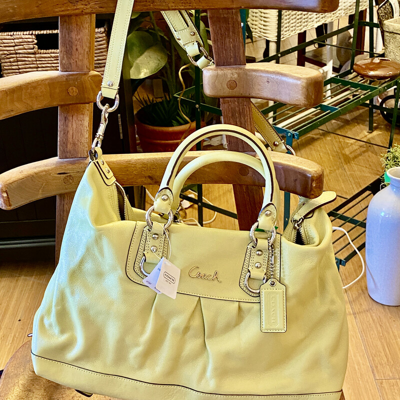 Purse Coach NEW, Lime, NEW