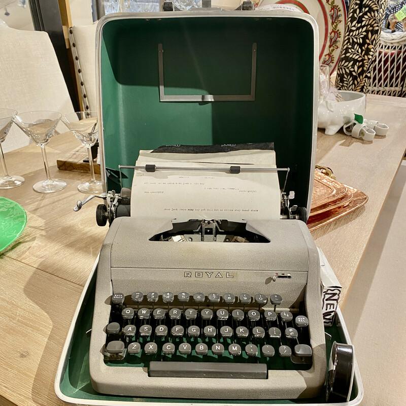 Typewriter Royal Sr Compa, Vintage, Size: Case