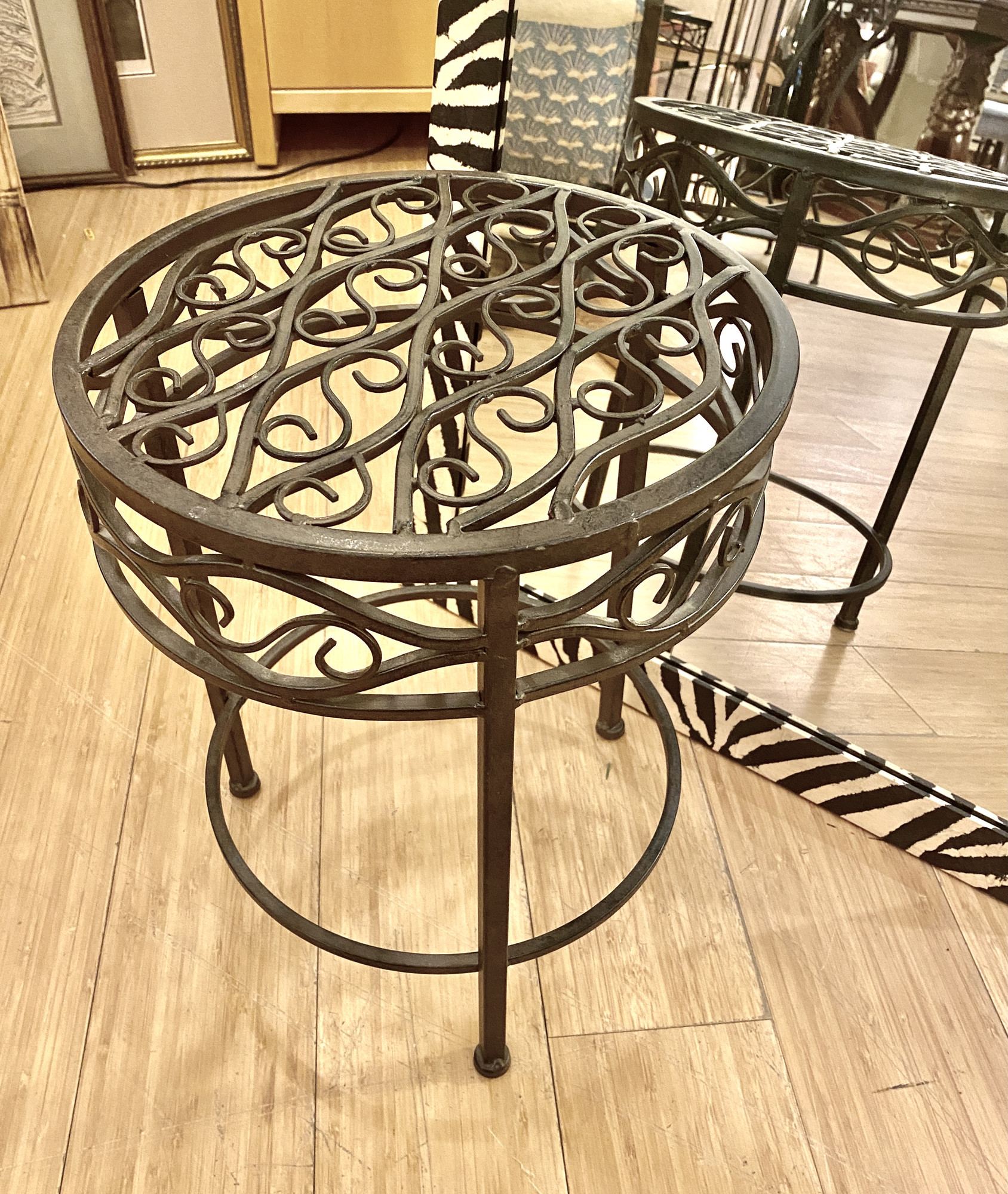 Plant Stand Round, Tile, Size: 8x20